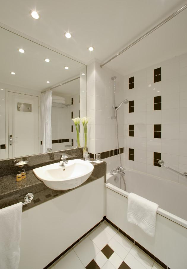 Bien connu Branded Hotel - Hyatt Regency Paris Etoile Hotel (Paris) from £170  BG32