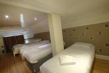 Hotel Imperial Court Studios thumb-3