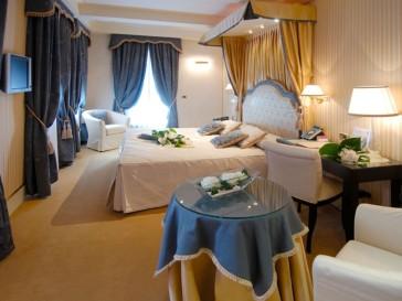 Hotel A La Commedia 1