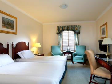 Macdonald Holyrood Hotel thumb-4
