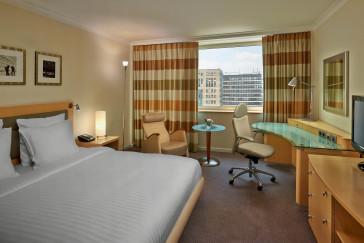 Hotel Hilton Dusseldorf 1