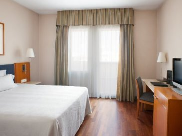 Hotel NH Luz Huelva thumb-3