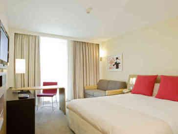Novotel Edinburgh Park Hotel thumb-3