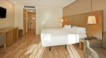 Hotel Hesperia Andorra La Vella thumb-4