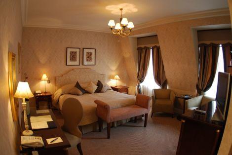 The Leonard Hotel