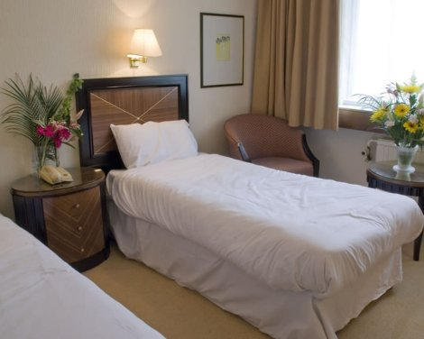 Airport Inn & Spa Manchester Hotel