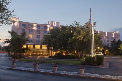 Doubletree Club By Hilton Hotel Boston Bayside Hotel