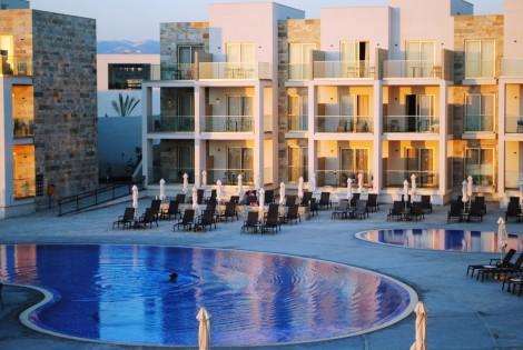 Amphora Hotel & Suites Hotel