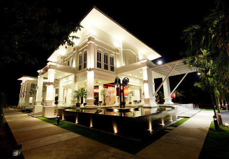 Hotel The Old Phuket - Karon Beach Resort