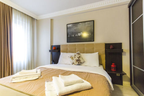 Taksim green house hostel hotel istanbul from 25 for Luce suites taksim
