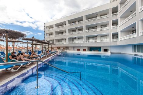 Hotel be live family costa los gigantes puerto de santiago desde 222 rumbo - Hotel be live family costa los gigantes puerto de santiago ...