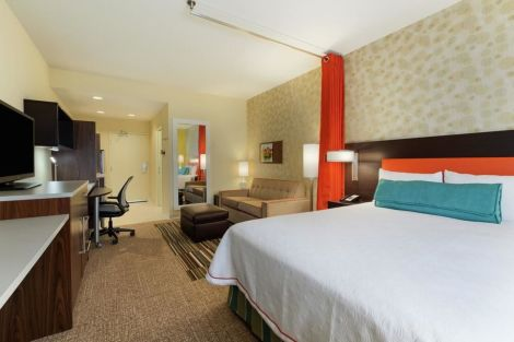HotelHome2 Suites by Hilton Charlotte Airport