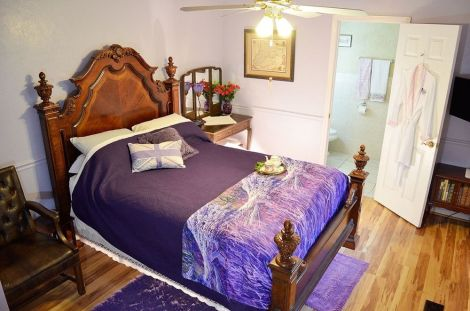 HotelLittle English Guesthouse Bed and Breakfast