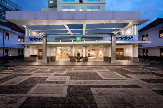Hotel horison bandung bandung desde 43 rumbo for Piscinas v h ramos lda braga