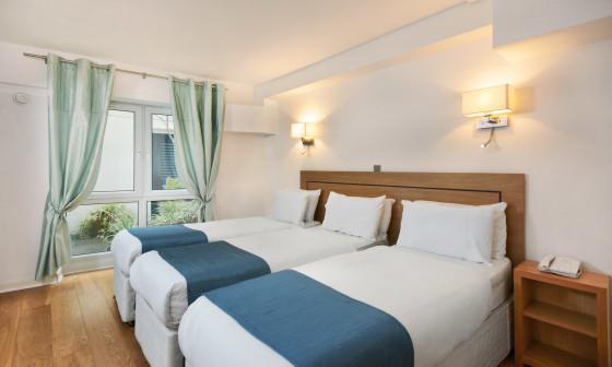 Hotel Ambassadors Hotel