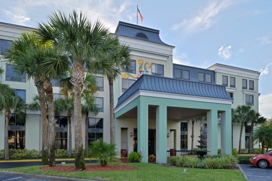 Quality Suites Royale Parc Suites Hotel