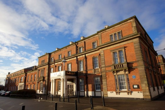 Derby hotels from 38 cheap hotels for Derby hotels