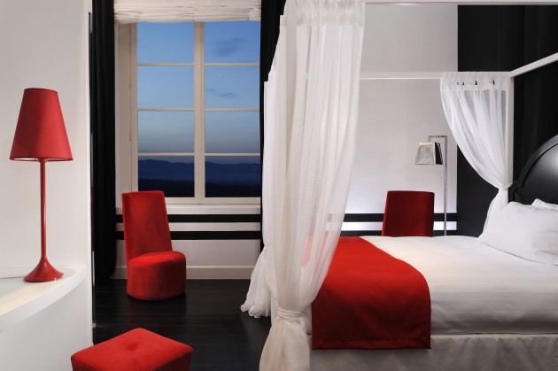 Dormitorio villa le maschere small luxury hotels of the for Best small luxury hotels of the world