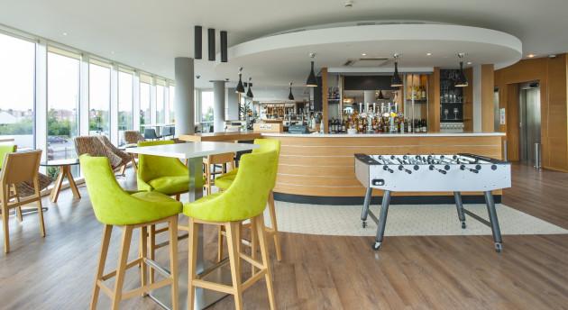 Hotel Holiday Inn London - West thumb-4