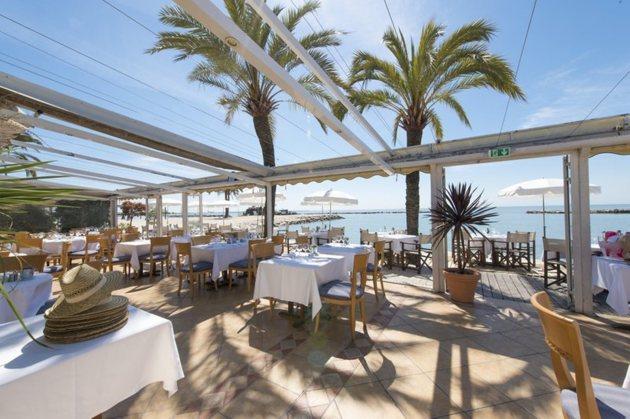 Holiday inn nice saint laurent du var hotel saint - Restaurant port de saint laurent du var ...
