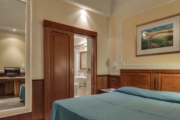 Hotel Borromeo thumb-2
