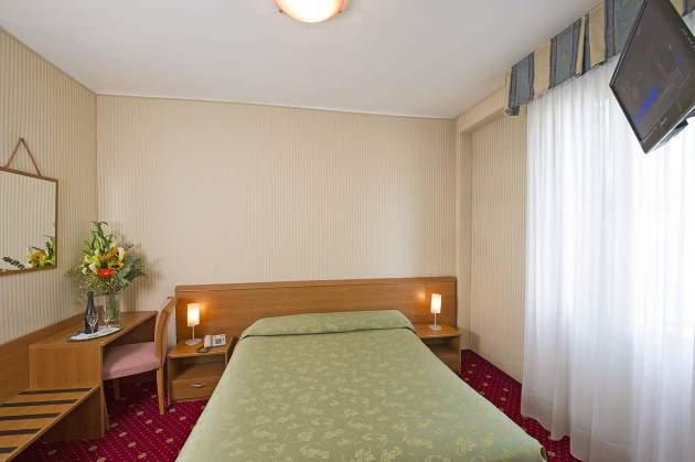 Hotel Nazionale thumb-2