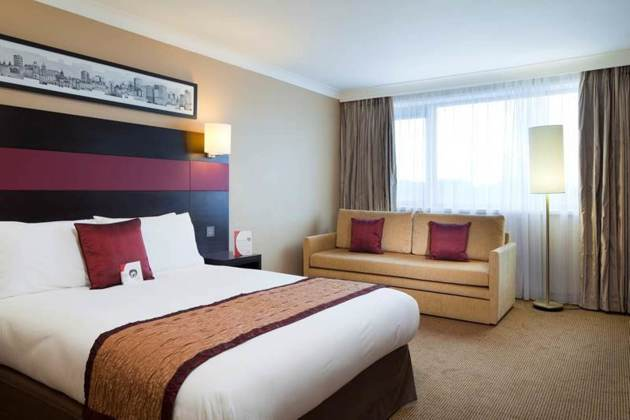 Crowne Plaza Manchester Airport Hotel thumb-2