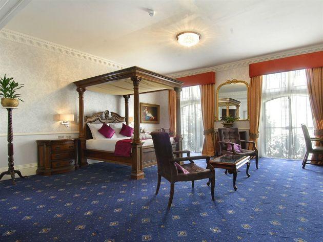 Hotel Grand Royale thumb-3