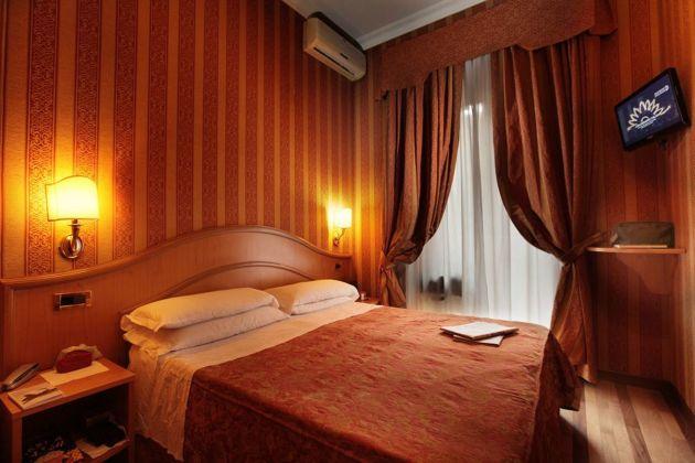 Hotel Solis thumb-2