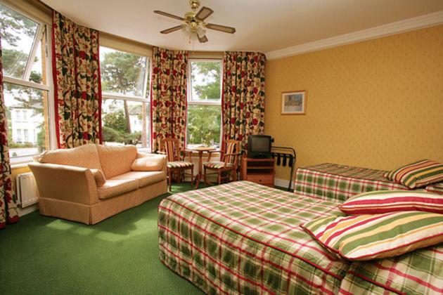 Elstead Hotel thumb-2