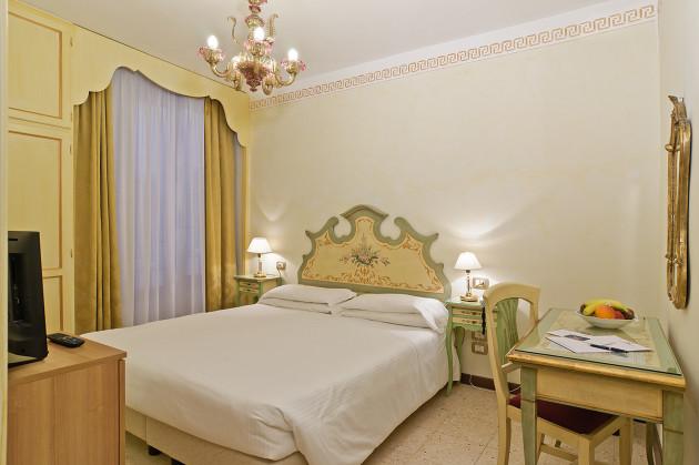 Hotel La Fenice Et Des Artistes thumb-2