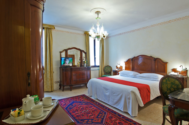 Hotel La Fenice Et Des Artistes thumb-4