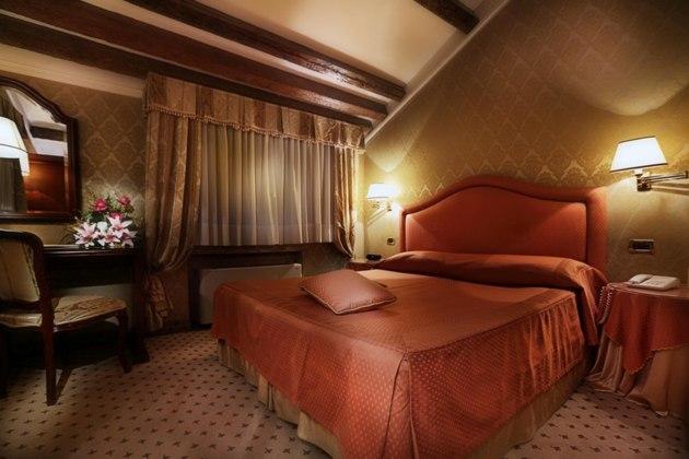 Hotel Colombina thumb-2