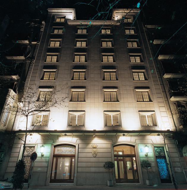 Hotel Astoria thumb-3