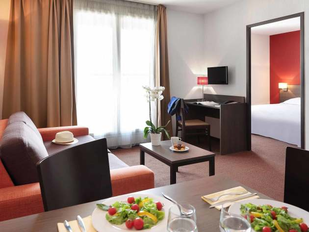 Aparthotel adagio access n mes nimes desde 35 rumbo for Apparthotel 35