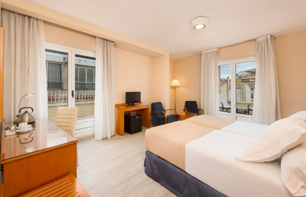 Hotel TRYP Ciudad De Alicante thumb-4