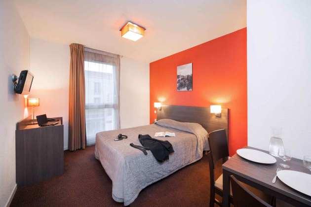 aparthotel adagio access poitiers poitiers desde 38 rumbo. Black Bedroom Furniture Sets. Home Design Ideas