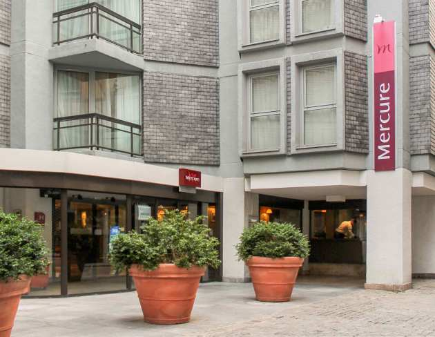 Hotel mercure rouen centre cathedrale hotel rouen from for Hotels rouen