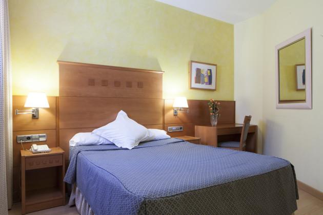 Hotel Cervantes thumb-3