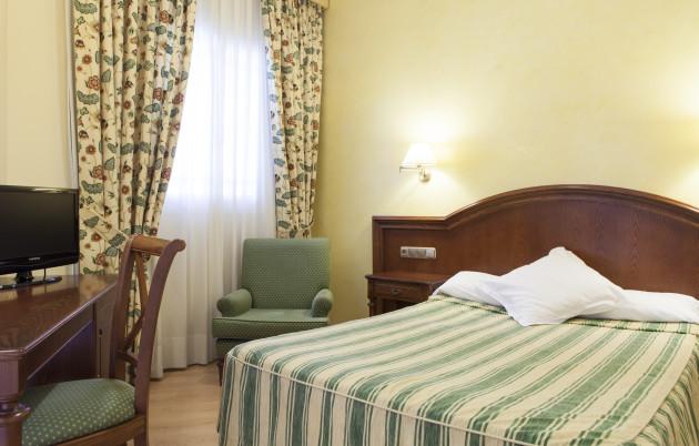 Hotel Cervantes thumb-4