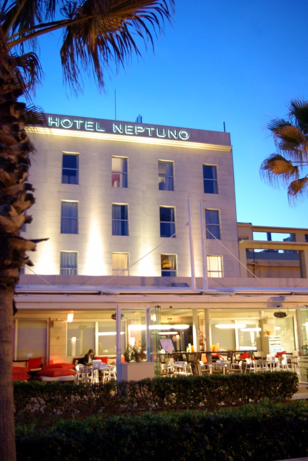 Hotel neptuno valencia desde 104 rumbo for Hotel familiar valencia playa