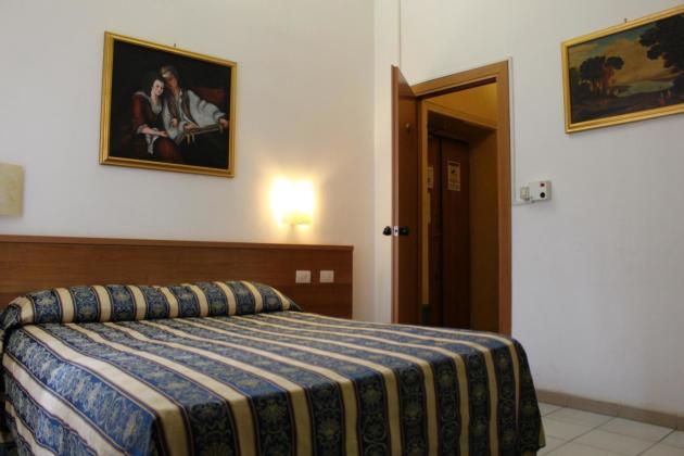 Hotel Bolognese thumb-3