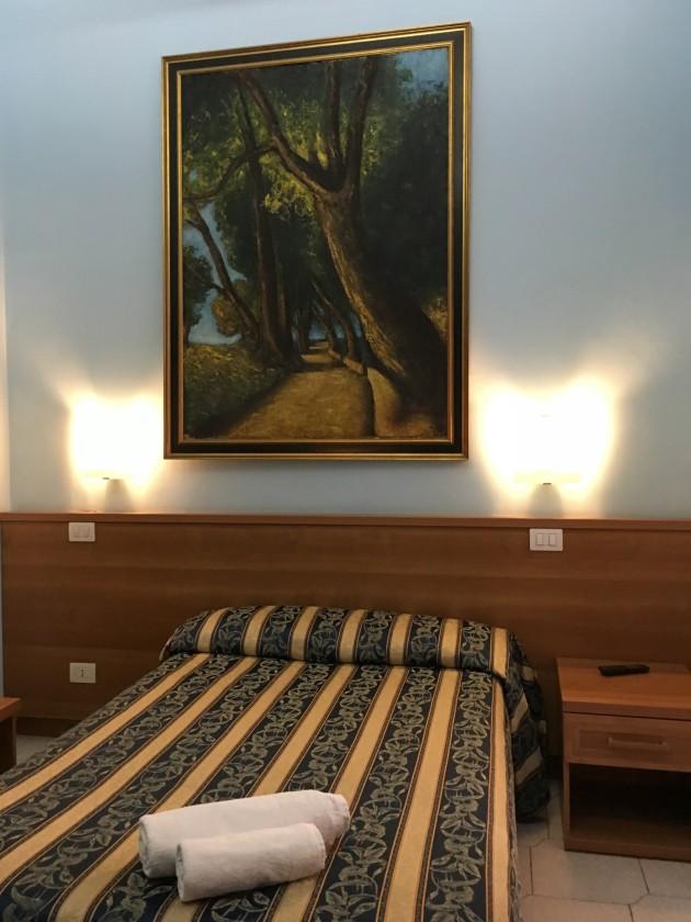 Hotel Bolognese thumb-2