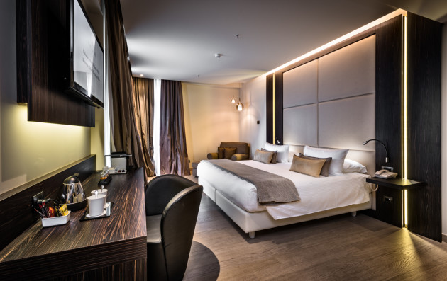 The square milano duomo hotel milan from 175 for Hotel brunelleschi milano