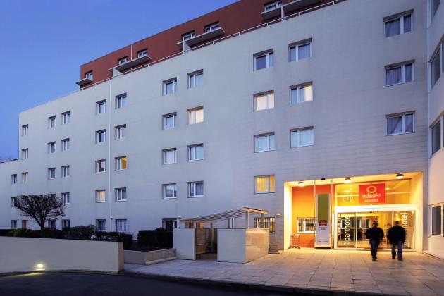 Aparthotel Adagio Access Marseille Prado P U00e9rier Hotel  Marseille  From  U00a352