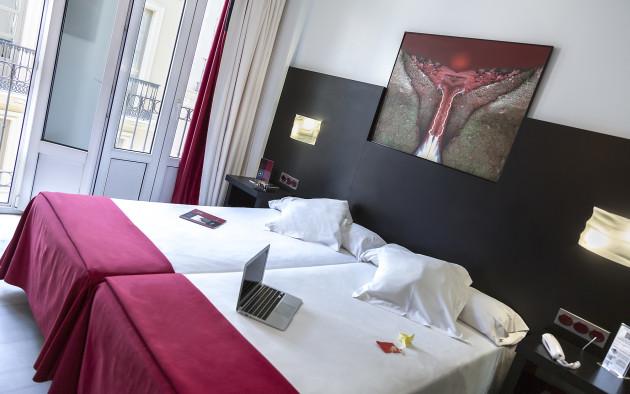 Hotel Del Pintor thumb-2
