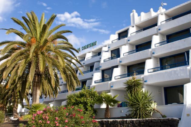 Labranda los cocoteros apartments apartaments puerto del - Car rental puerto del carmen ...