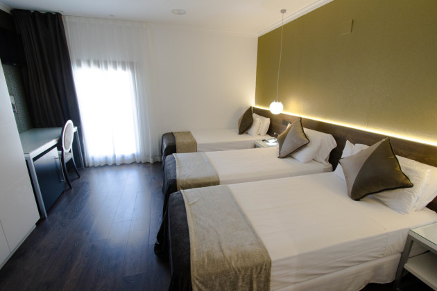 Moderno Hotel + Fc Barcelona Tickets Included Hotel thumb-4