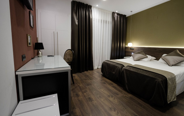 Moderno Hotel + Fc Barcelona Tickets Included Hotel thumb-2