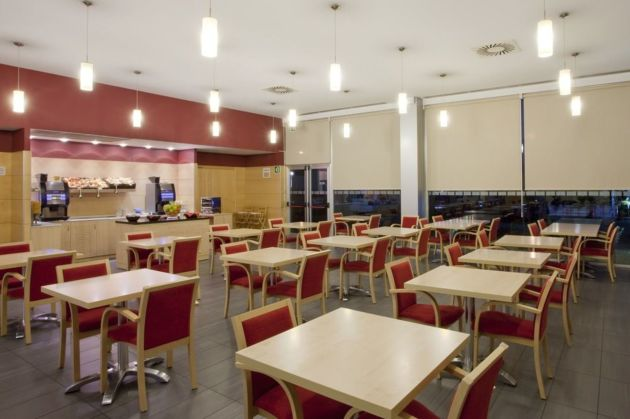 Hotel Holiday Inn Express Malaga Airport thumb-4